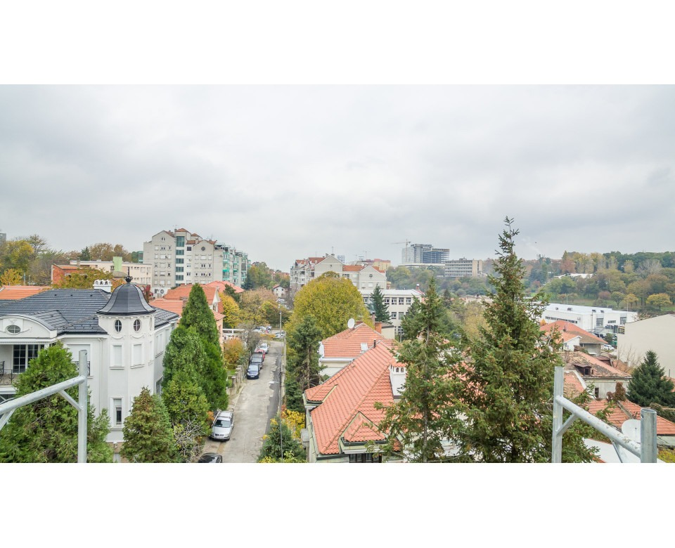 Novogradnja Autokomanda, Savski venac - Mokranjčeva 7