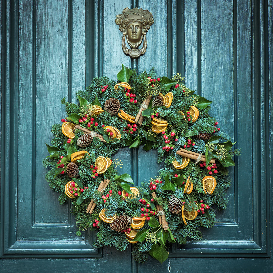 A different way to decorate your home for Christmas - wreath