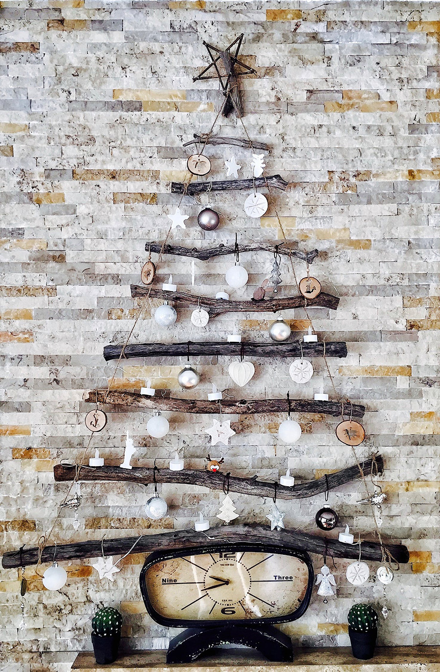 A different way to decorate your home for Christmas - tree